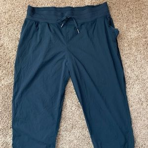 Lululemon Navy blue loose capris | BARLEY USED